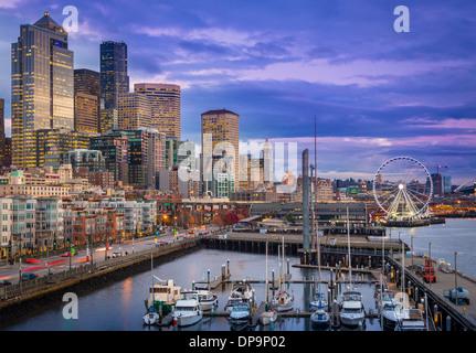 Seattle skyline from Pier 66 - Stock Photo