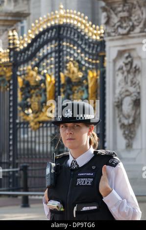 female constable metropolitan police uk - Stock Photo
