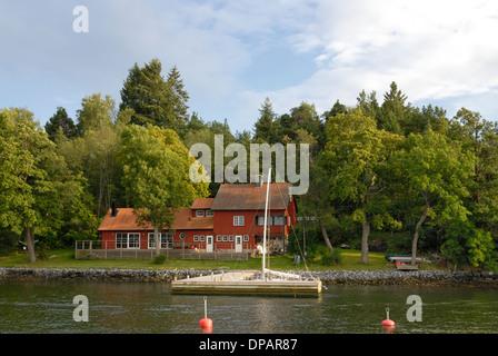 Summer house in Stockholm archipelago. - Stock Photo