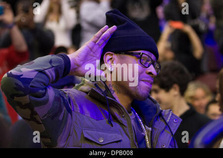 Philadelphia, Pennsylvania, USA. 10th Jan, 2014. Former 76ers Allen Iverson listens to the crowd during the NBA - Stock Photo