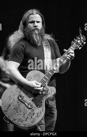 Detroit, Michigan, USA. 12th Jan, 2014. Country Music Artist JAMEY JOHNSON performing on his ''Living For A Song - Stock Photo