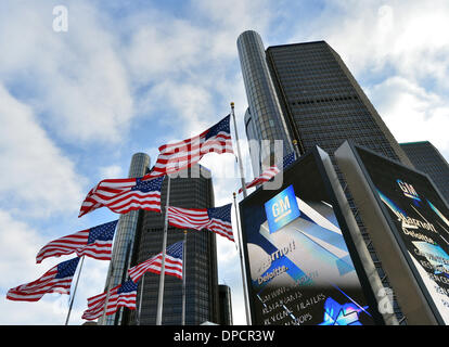 Detroit, Michigan, USA. 12th Jan, 2014. Flags fly in front of the headquarters of the automaker GM in Detroit, Michigan, - Stock Photo
