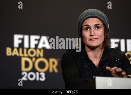Zurich, Switzerland. 13th Jan, 2014. Nominees for the 2013 FIFA Womens' Player of the Year, German's goalkeeper - Stock Photo