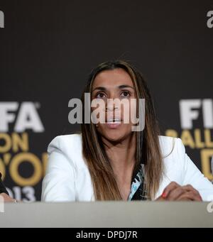 Zurich, Switzerland. 13th Jan, 2014. Nominees for the 2013 FIFA Womens' Player of the Year, Brazil's football star - Stock Photo