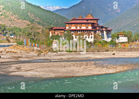 Punakha Dzong Monastery Bhutan Himalayan Mountains Built originally in 1300s Sacred site for Bhutanese people on - Stock Photo