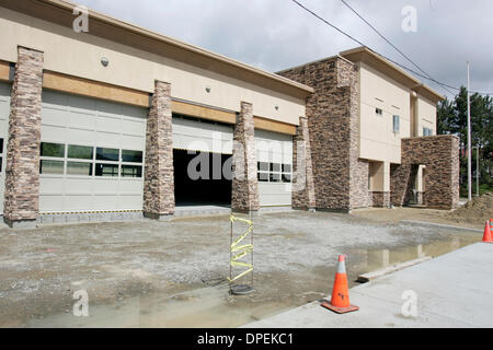 (Published 3/24/06, NI-1) SL rsffire254176x002 3-21-2006 SAN MARCOS, CA.  Construction work on San Marcos Fire Station - Stock Photo