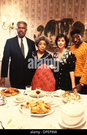 Jan. 12, 2006 - A8108.1991.JUNGLE FEVER.TV-FILM STILL. OSSIE DAVIS RUBY DEE ANNABELLA SCIORRA AND WESLEY SNIPES. - Stock Photo