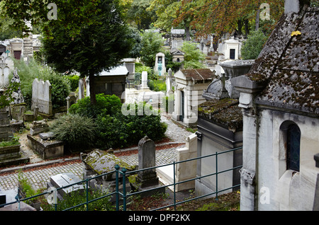 Pere Lachaise cemetary in Paris - Stock Photo