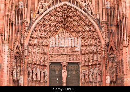 Detail of the tympanum on Notre Dame de Strasbourg Cathedral, Strasbourg, Bas-Rhin, Alsace, France, Europe - Stock Photo