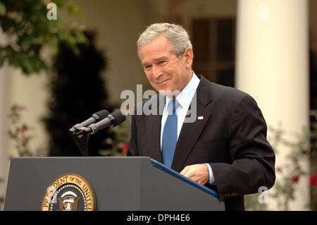 Oct. 11, 2006 - Washington, District of Columbia, U.S. - I11236CB.PRESIDENT GEORGE W. BUSH DISCUSSES VARIOUS TOPICS - Stock Photo