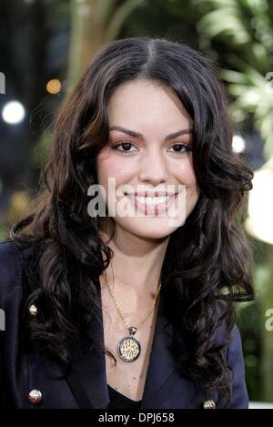 Caroline de Souza Correa Nude Photos 24
