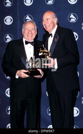 Mar. 24, 2006 - K14880FB.41ST GRAMMY AWARDS.SHRINE AUDITORIUM, LOS ANGELES, CALIFORNIA.MEL BROOKS AND CARL REINER. - Stock Photo