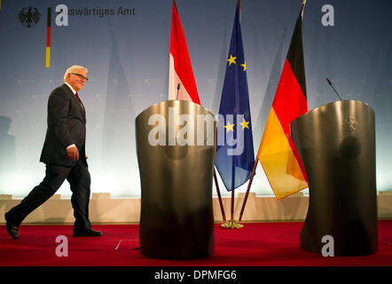 Berlin, Germany. 15th Jan, 2014. German Foreign Minister Frank-Walter Steinmeier (SPD) arrives for a joint press - Stock Photo
