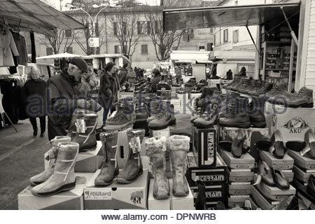 Faenza's Piazza Martiri della Liberta market, Emilia Romagna - Stock Photo