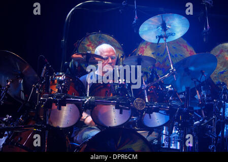 Apr 28, 2009 - E. Rutherford, New Jersey, USA - Drummer BILL KREUTZMANN of 'The Dead' performing during the sold - Stock Photo