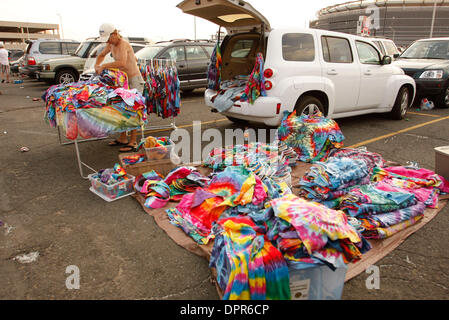 Apr 28, 2009 - E. Rutherford, New Jersey, USA - Fans and vendors sell tie dyed t-shirts. 'The Dead' performed at - Stock Photo