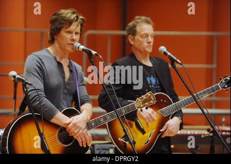 May 04, 2009 - Manhattan, New York, USA - The Bacon Brothers, KEVIN BACON (L) and his brother MICHAEL BACON (R) - Stock Photo