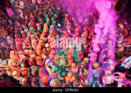 Men from Nandgaon & Barsana sit face to face in a Samaaj (a community gathering) during the festival of Holi Uttar - Stock Photo