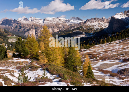 View north from the Sella Pass towards Puez Odle in autumn, with early snow; Dolomites, north Italy. - Stock Photo