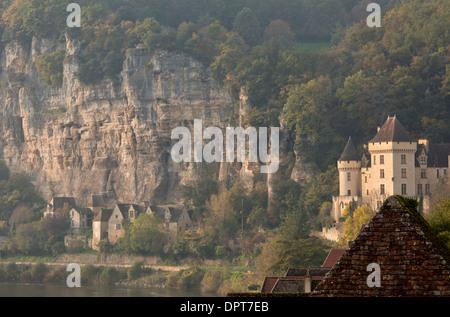 Chateau de la Malartrie, in the ancient village of La Roque-Gageac, Dordogne, France - Stock Photo