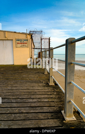 Warning sign against jumpers or divers will be prosecuted, Bognor Regis, West Sussex, UK - Stock Photo