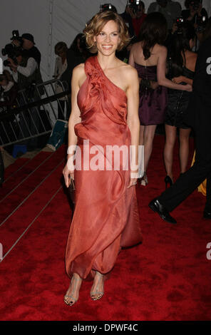 May 04, 2009 - New York, NY, USA - HILARY SWANK at the  'The Model As Muse' MET Costume Gala 2009. (Credit Image: - Stock Photo
