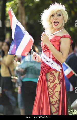Bangkok, Bangkok Metropolitan District, Thailand. 15th Jan, 2014. A glamorous ''Kathoey'' supporter of the anti - Stock Photo