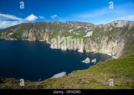 View across the Slieve League cliffs from Bunglas, County Donegal, Ireland. - Stock Photo