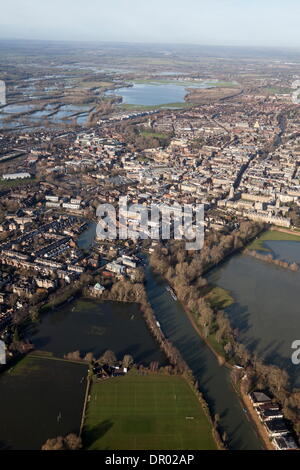 Oxford, UK. 14th January 2014. The  Thames, Oxford in  flood .  View of Oxford, looking  North to Portmeadow.  Christchurch - Stock Photo