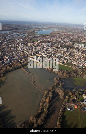 Oxford, UK. 14th January 2014. The  Thames, Oxford in  flood .  View of Oxford, looking  North towards Portmeadow. - Stock Photo