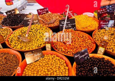 Saturday Outdoor Market in Gignac, Hérault, Languedoc Roussillon, France - Stock Photo