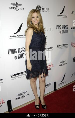 Beverly Hills, CA, . 17th Jan, 2014. Kelly Preston at arrivals for Living Legends of Aviation Awards, Beverly Hills - Stock Photo