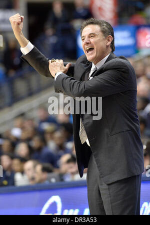 Storrs, CT, USA. 18th Jan, 2014. Saturday January 18, 2014: Louisville Cardinals Head coach Rick Pitino reacts to - Stock Photo