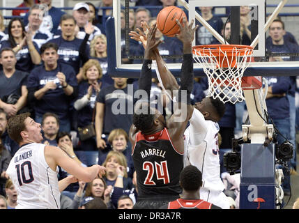 Storrs, CT, USA. 18th Jan, 2014. Saturday January 18, 2014: Louisville Cardinals forward Montrezl Harrell (24) goes - Stock Photo