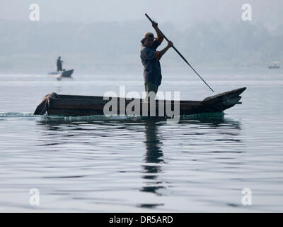 Mar 29, 2009 - Santiago Atitlan, Solola, Guatemala - Fishermen at work on Lake Atitlan in Santiago Atitlan, Solola, - Stock Photo