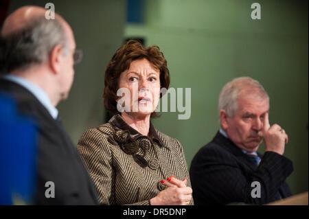 Feb 25, 2009 - Brussels, Belgium - European Competition Commissioner NEELIE KROES (L) and Irish European Economy - Stock Photo