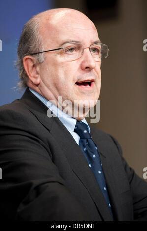 Feb 25, 2009 - Brussels, Belgium - European Economic and Monetary Affairs Commissioner JOAQUIN ALMUNIA at a press - Stock Photo