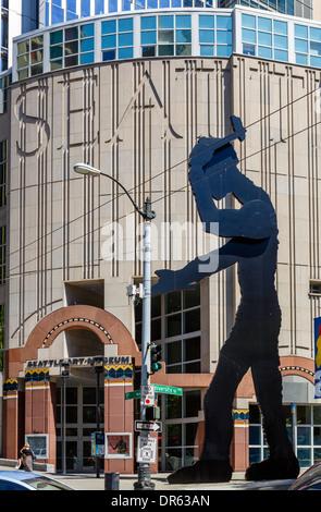 Jonathan Borofsky's 'Hammering Man' sculpture outside the entrance to the Seattle Art Museum, Seattle, Washington, - Stock Photo