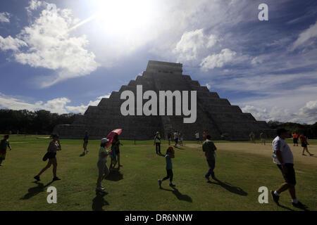 Chichen Itza, Yucatan, Mexico. 13th Jan, 2014. Tourists visit Kukulkan pyramid in the Chichen itza city, this pyramid - Stock Photo