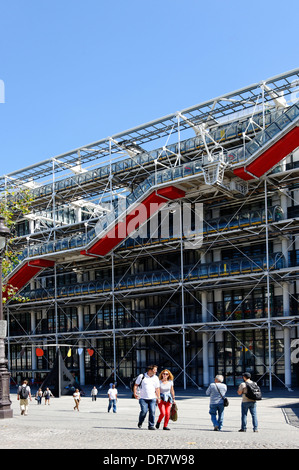 Centre Pompidou, Centre national d'art et de culture Georges Pompidou, 4th Arrondissement, Le Marais, Paris, France - Stock Photo
