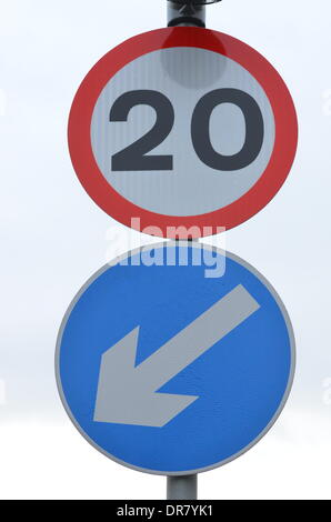 Bristol, UK. 21st January 2014. 20mph speed limits which are enforceable came into effect this morning in the City of Bristol. Credit:  Robert Timoney/Alamy Live News