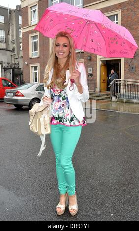 Former miss world rosanna davison and her mother diane davison out former miss world rosanna davison taste of dublin 2012 held in the iveagh gardens thecheapjerseys Images