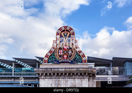 London Chatham and Dover railway crest with Invicta motto and solar panels of Blackfriars railway station, London, - Stock Photo