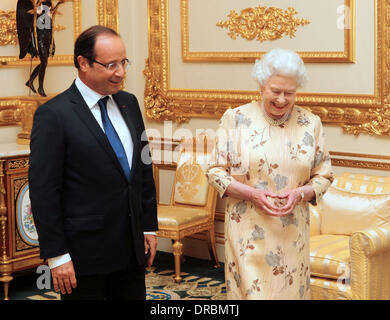Britain's Queen Elizabeth II meets French President Francois Hollande at Windsor Castle Berkshire, England - 10.07.12 Stock Photo