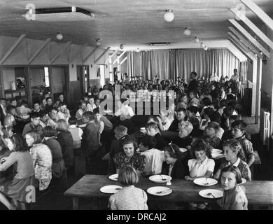 Evacuee children's school WWII - Stock Photo