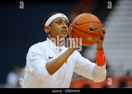 Syracuse, New York, USA. 23rd Jan, 2014. January 23, 2014: Syracuse Orange guard Brittney Sykes (20) takes a shot - Stock Photo