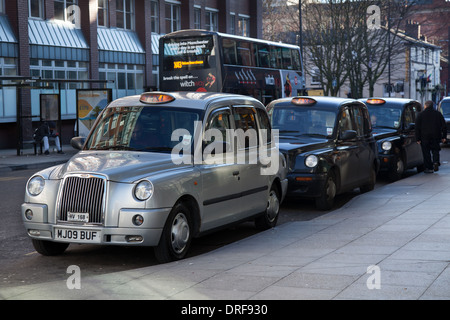 Chorlton Street Bus Station Taxis_Hackney Cabs, Private Hire Vehicles for hire_ Manchester City Centre, UK, Europe, - Stock Photo