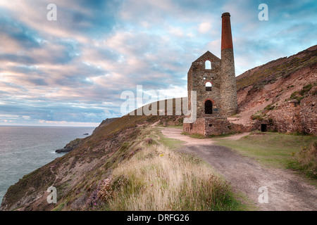 Ruined tin mine at Wheal Coates on the coast at St Agnes on the north Cornwall coast - Stock Photo