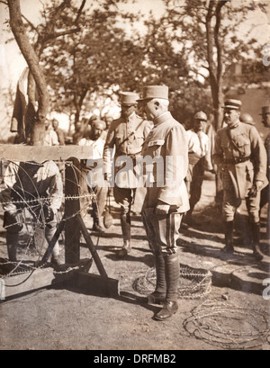 General Petain visiting the Marne, France, during WW1 - Stock Photo