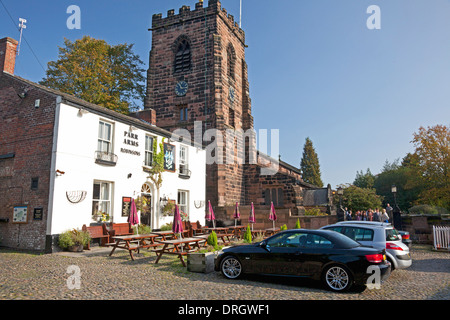 The Parr Arms pub beside St Wilfrid's Church, Grappenhall, Cheshire - Stock Photo